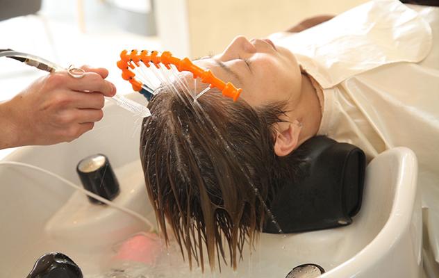 頭皮高圧洗浄で清潔で健康な頭皮へ